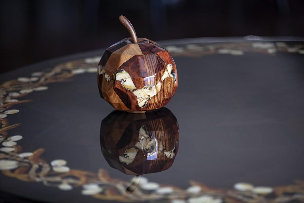 Арт-объект «Яблоко»