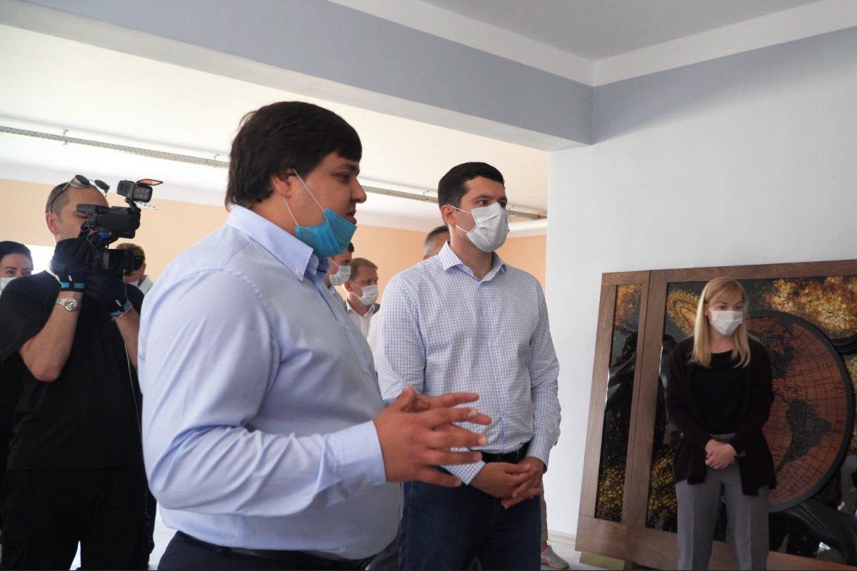 Губернатор Калининградской области посетил Мануфактуру «Емельянов»