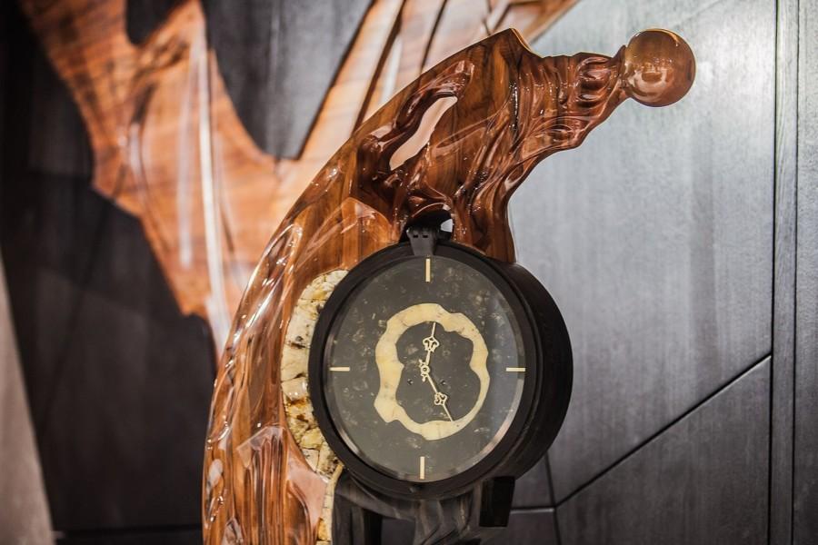 Напольные часы «Вечность»